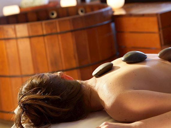 hot stones treatment